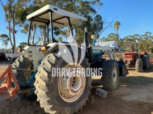 Ford 7600 4×4 with Rovic Loader