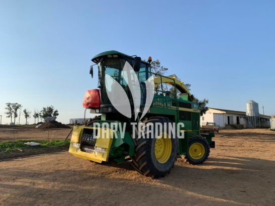 John Deere 6650 Self Run Silage Cutter